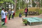 Axiom visit Sibelius' grave