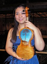 Mitsui was the 119th violinist to perform on this instrument