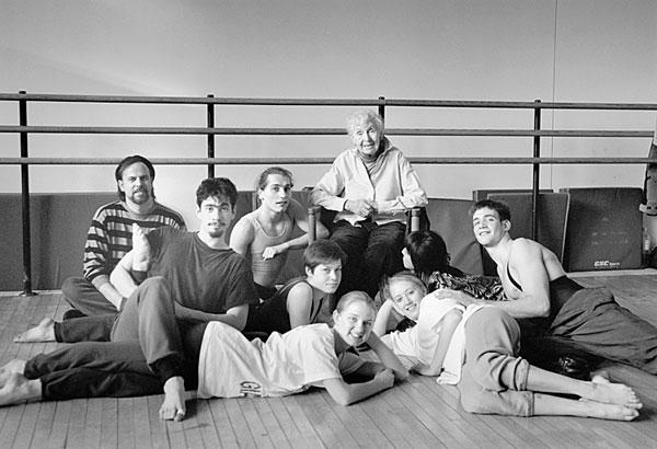 Bessie Schonberg with dance students